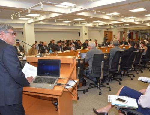Presidente do CFF abre Reunião Geral, falando em união e lealdade à profissão