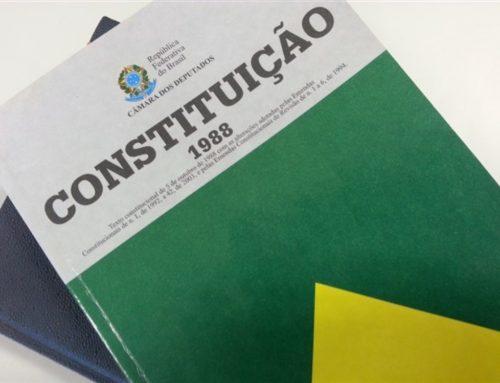 30 anos da Constituição versus saúde pública, no Entrevista Farmacêutica